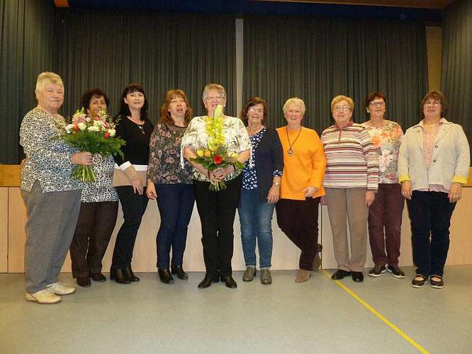 von links: Elisabeth Eckert, Inge Weigang, Claudia Ettingshausen, Elke Wunike, Christa Macht, Helga Michel, Inge Krebs, Heidi Wagner, Elke Frühwirt und Anette Heckelmann