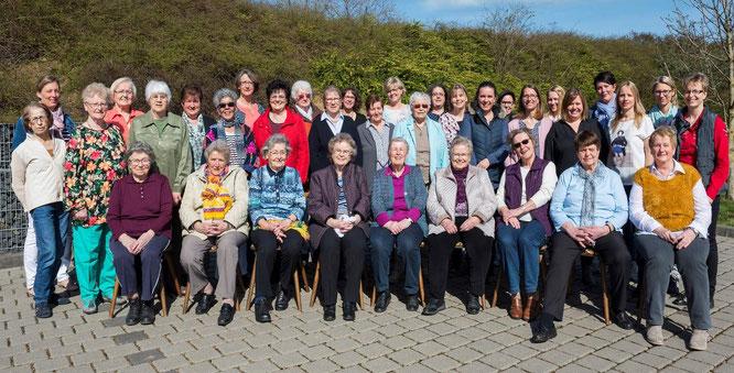 Gruppenbild des LandFrauen Ortsvereins Mensfelden:  Abteilungen Seniorinnen und LF2.0