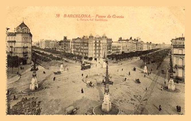 Площадь Пятерки Динариев в Барселоне. Пешеходные экскурсии по Барселоне