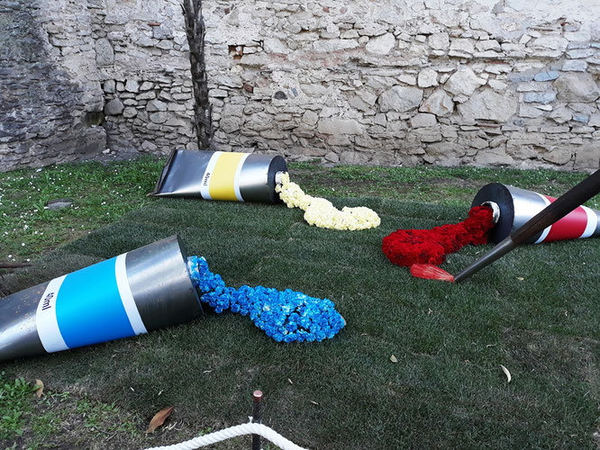 Цветочная выставка в Жироне - экскурсия в музей Дали и средневековую Жирону
