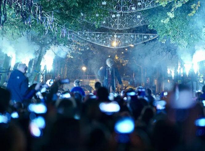 Новогодняя подсветка в Барселоне