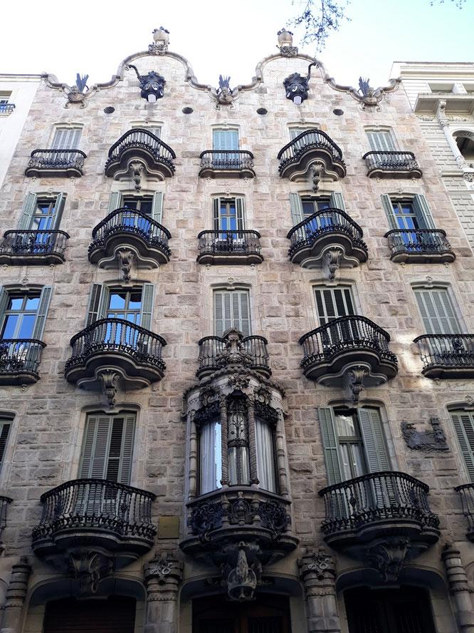 Барселона-экскурс - экскурсии и гиды в барселоне