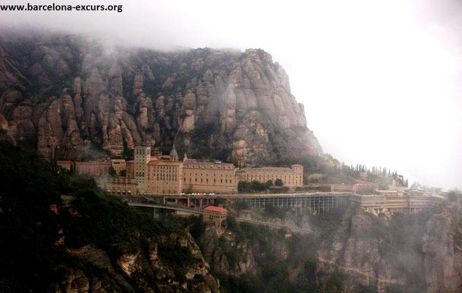Экскурсии из Барселоны в монастырь Монсеррат