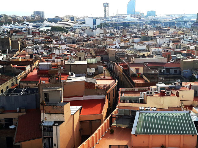 Крыши старой Барселоны