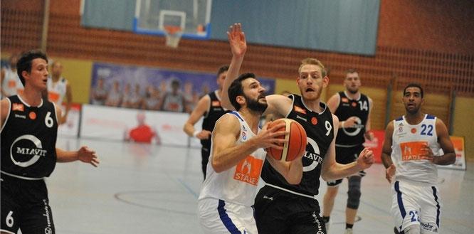 Nil Angelats (Ball) bot mit zehn Punkten und sechs Vorlagen ein starkes Debüt im VfL-Trikot. (Foto: Berlin)