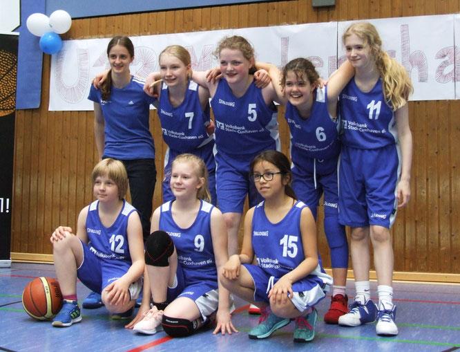 Fünf Spiele in zwei Tagen und das nur zu siebt: Unsere wU12 kämpfte bravourös und holte sich am Ende den sechsten Platz auf der Landesmeisterschaft in Göttingen. (Foto: von der Fecht)