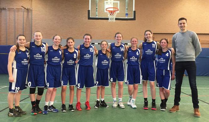 Freuten sich über den verdienten Sieg: Die U17-Mädchen. (Foto: Seidel)