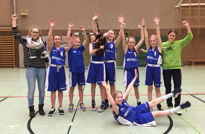 Unsere U12-Mädchen haben erfolgreich den zweiten Tabellenplatz gegen die BG BiBA verteidigt.