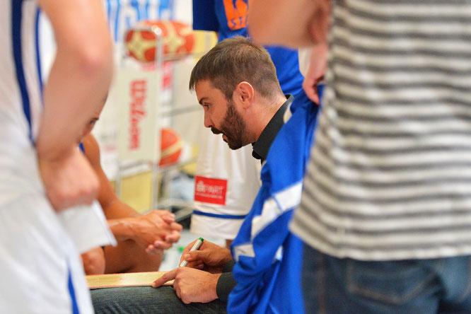Die wichtigste Personalie ist geklärt und die Freude groß: Joan Rallo Fernández bleibt Cheftrainer des VfL Stade. (Foto: Elsen)