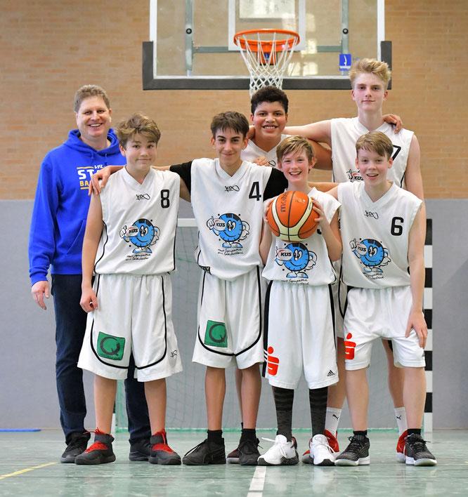 Arg ersatzgeschwächt und dennoch gewonnen. Unsere U16 II-Jungs setzten sich mit 51:49 gegen die BSG Bremerhaven durch. (Foto: Elsen)