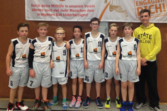 Die Jungs der U12 II konnten ihre Freude über den souveränen 66:33-Sieg gut verbergen. (Foto: Heuer)