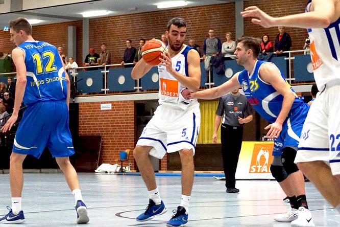 Oscar Andres überzeugte bisher in allen drei Spielen. Am Sonntag wird der Spanier erneut gefordert sein. (Foto: Fromme)