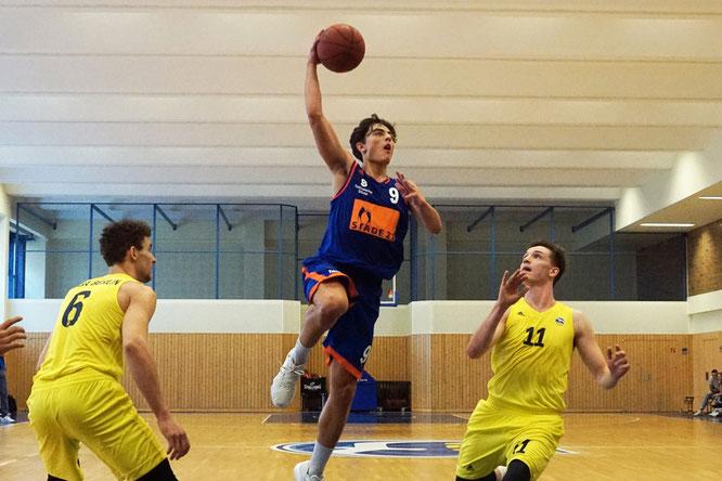 Zeigte eindrucksvoll, was für ein Potential in ihm steckt: Damian Cortes Rey erzielte 28 Punkte (4 Dreier). (Foto: Fromme)