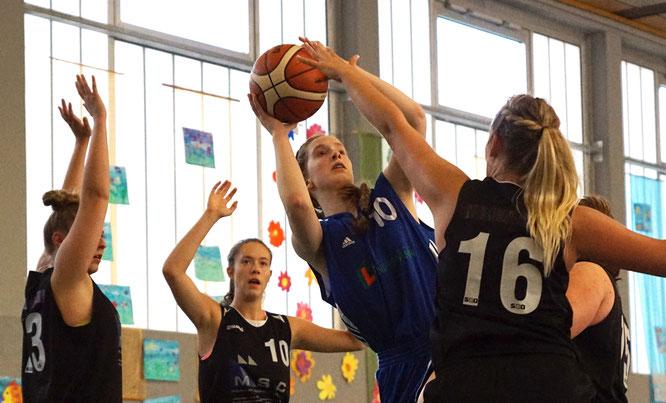 Sophie von Ass war im Spiel gegen den VfL WE Nordhorn gefährlichste Staderin. Die 16-Jährige kam auf 15 Punkte (3 Dreier). (Foto: Fromme)