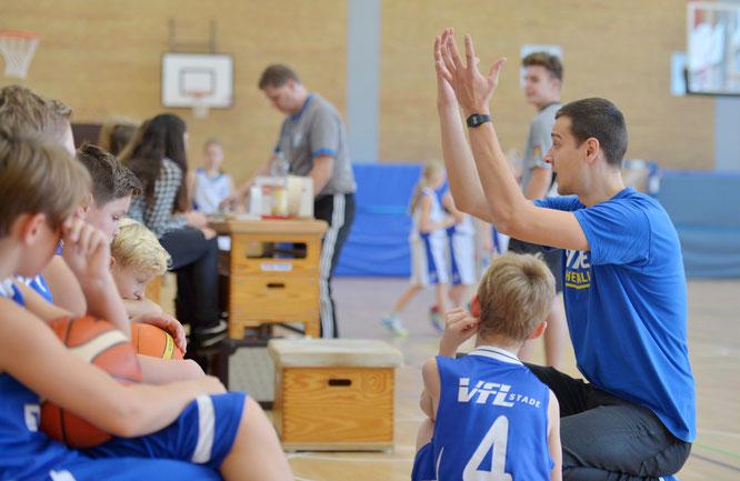 Reboundverhalten wird in den kommenden Wochen auf dem Trainingsplan der Basketball-Minis stehen. (Foto: Elsen)