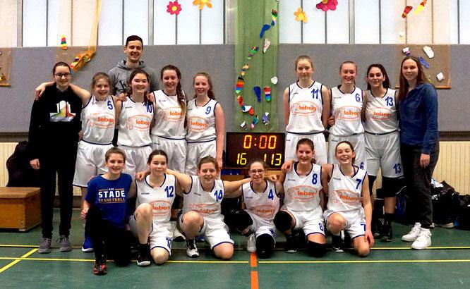 Die U16-Mädchen sind weiterhin ungeschlagener Tabellenführer der Bezirksliga. (Foto: Hönemann)