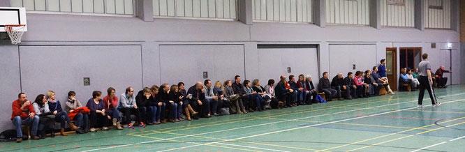 50 Zuschauer sahen das vereinsinterne Mädchen/Jungen-Derby des VfL Stade. (Foto: Moradi)
