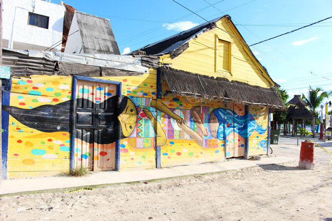 Mural of two girls on Isla holbox