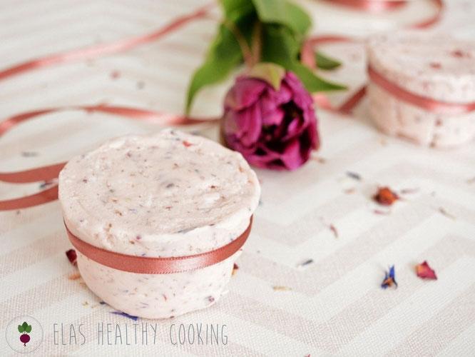 Shampoo-Bar, Haarwaschseife in rosa mit Blume