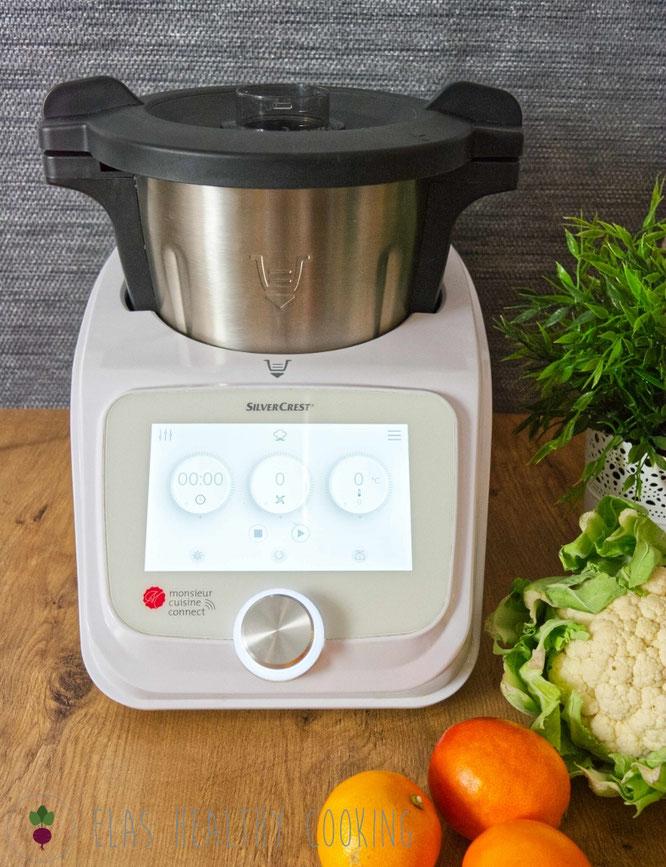 Monsiuer Cuisine Connect mit Display und Obst-Gemüse-Deko