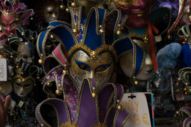 Maskerade im Rollenspeil 'LEBEN'