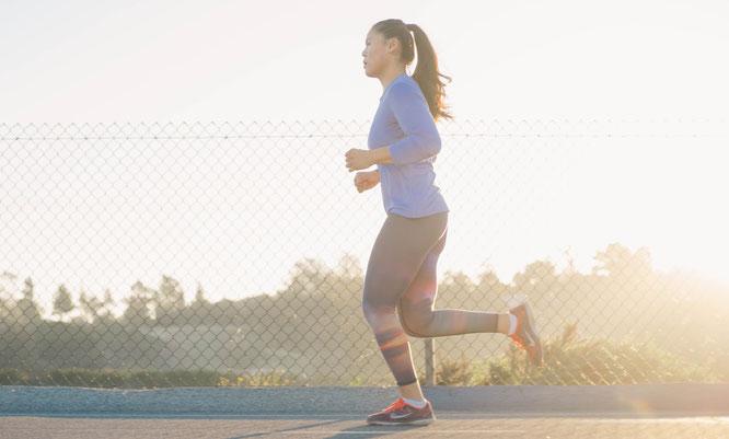 Frau beim Jogging