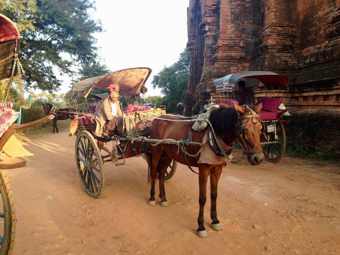 Pferdekutsche, Bagan, Myanmar