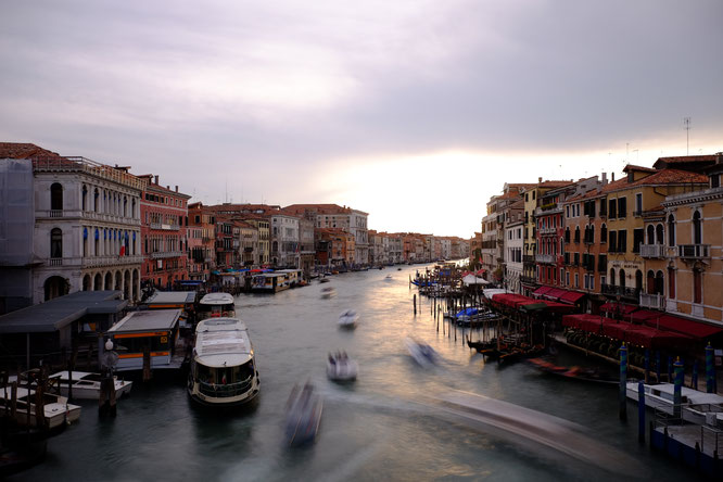 Venedig, Blick von der Rialto-Brücke auf den Canale Grande