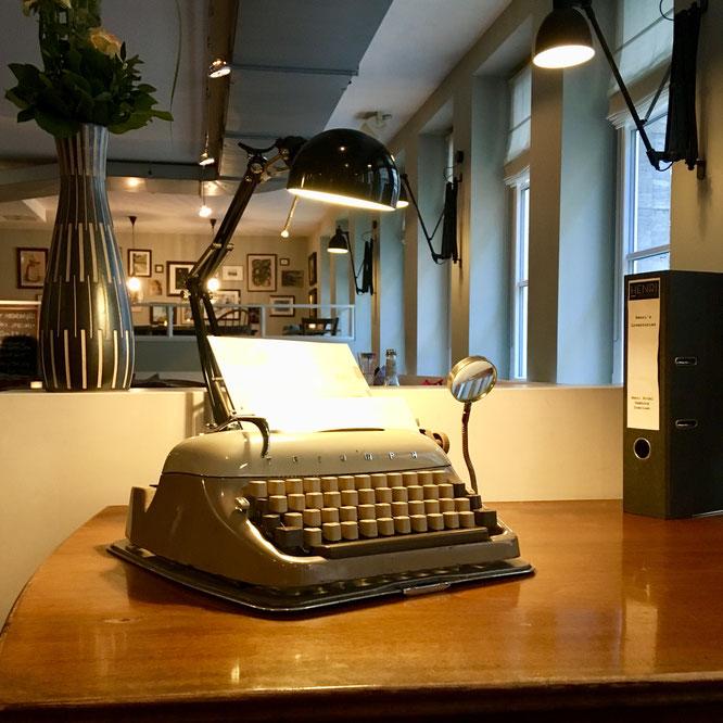 Retrostyle Schreibmaschine im Hotel Henri Hamburg