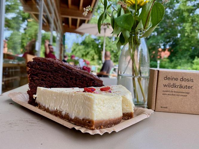New York Cheesecake und Schoko-Himbeertorte, Café Glasklar, Großer Stechlinsee
