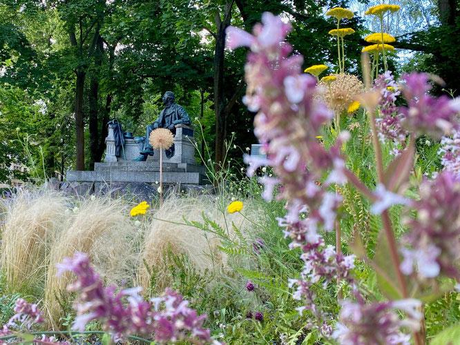 Fontane-Denkmal in Neuruppin, Ruppiner Seenland, Mark Brandenburg