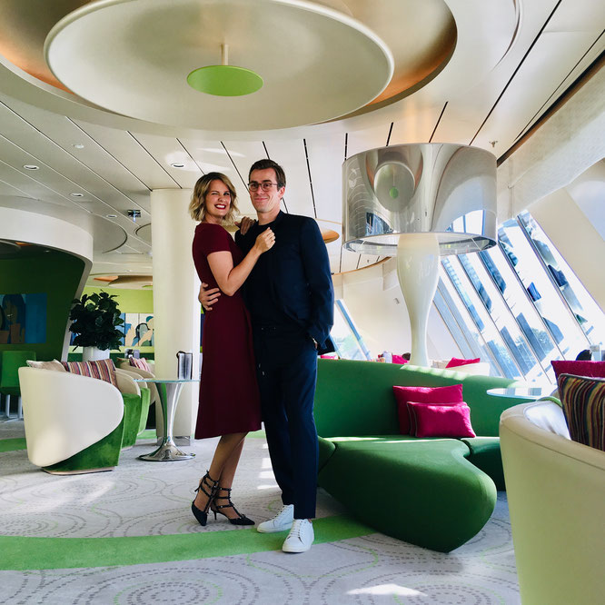 Mein Schiff 4 Café Lounge Monica Ivanca Dr. Johannes Wimmer