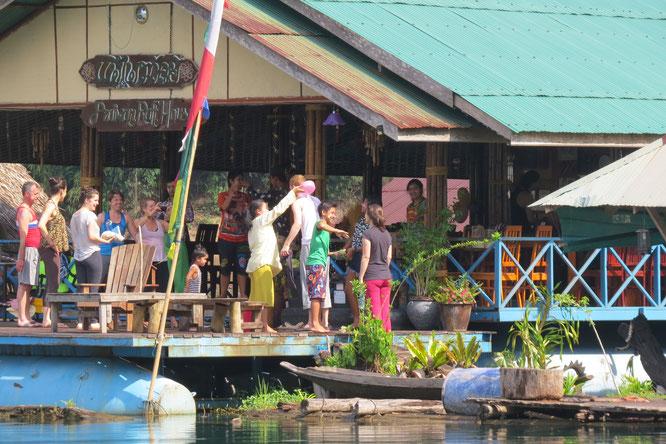 Thailändisch Neujahr: Hier bleibt keiner trocken.