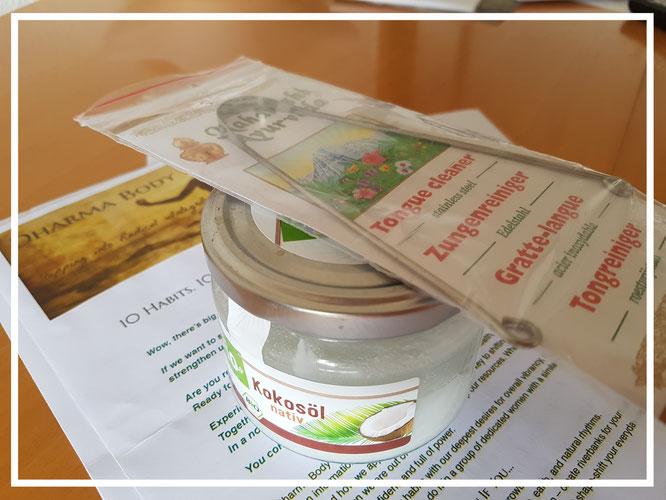 Ein Zungenreiniger aus Edelstahl war gar nicht so einfach zu bekommen - gehört aber zum ayurvedischen Morgenprogramm.