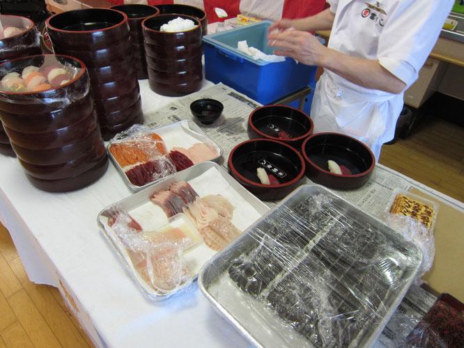 地元の老舗「富寿司」さんの出張握り。ネタは新鮮!地魚のオンパレード