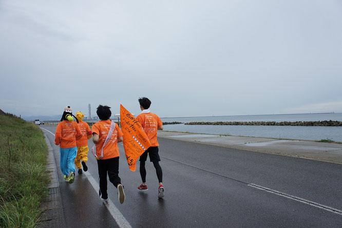 その時、雨が止みました。日本海も優しく迎えてくれました