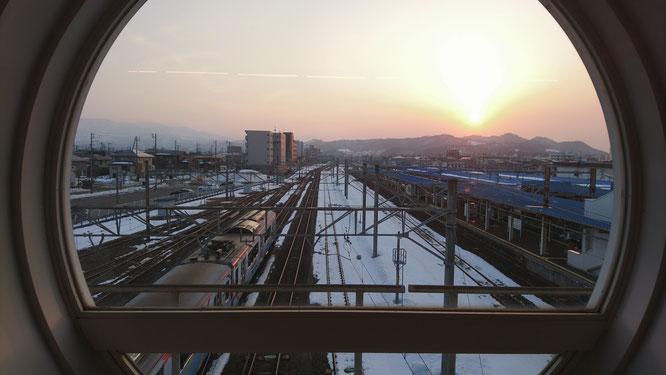 ウォーキングで立ち寄った今日の直江津駅。地域の足として無くてはならない存在です。これからもよろしくお願いします。