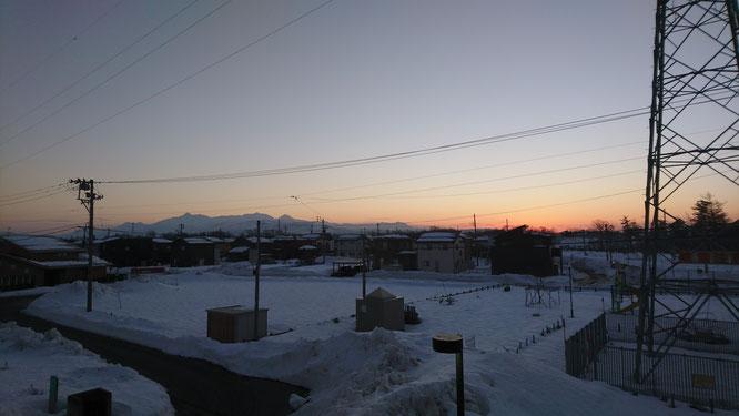 今日の日没。頸城三山がとってもきれいでした!