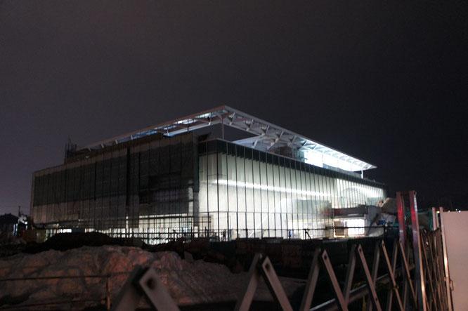 建設中の「上越市立水族博物館~うみがたり~」。現代的なその外観に、心の中にワクワク感がこだました!