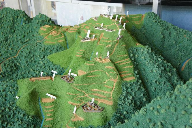 難攻不落の春日山城。埋蔵文化センターで気持ちを高めつつ、いざ登城へ!