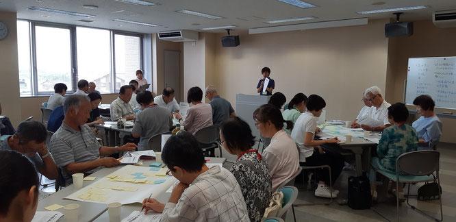 第1回地域ケア会議の様子(上越市社会福祉協議会さんからの「ほっと安心生活サポート事業」の説明)