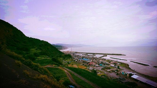 昨日の鳥ヶ首岬(名立灯台)からの眺め。子どもの頃の「ワクワク感」が一気によみがえってきました