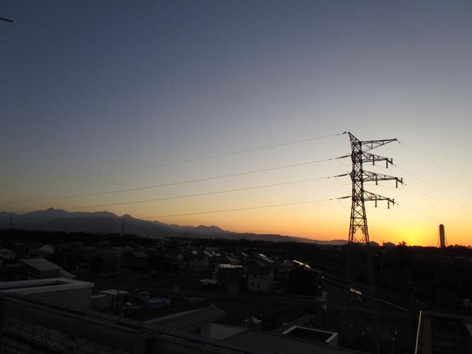 今日の屋上からの景色。日の入りには間に合いませんでした