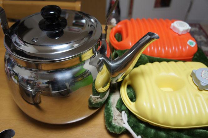 その温かさに憧れて、湯たんぽ専用のやかん(業務用・8リットル)を購入しました