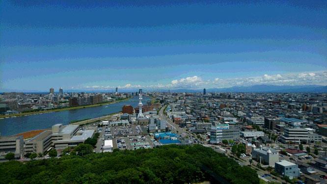 今日の新潟県庁18階からの景色。気持ちをリセットしまくりました