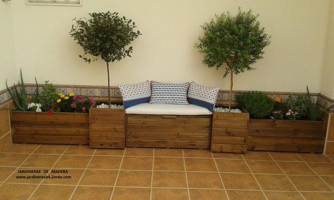 Jardineras de madera celosias baules huertos urbanos for Jardineras para patio casa