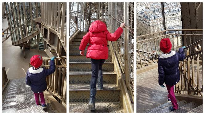 Trepp auf, trepp ab - unsere Mädels erklimmen die Stufen des Pariser Eiffelturms