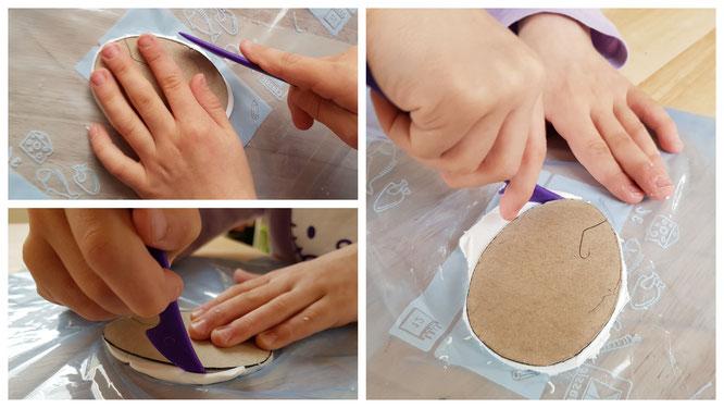 Wir schneiden ein Ei aus der Modelliermasse Fimo