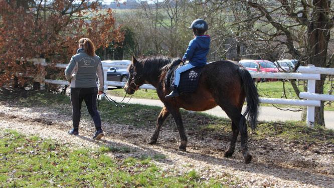 Hof Hardthöhe - Unsere Große reitet auf dem Pferd Momo