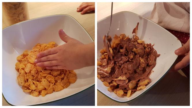 Die Cornflakes und die Schokolade werden vermengt
